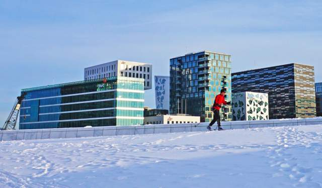 Skiing on Oslo Opera House