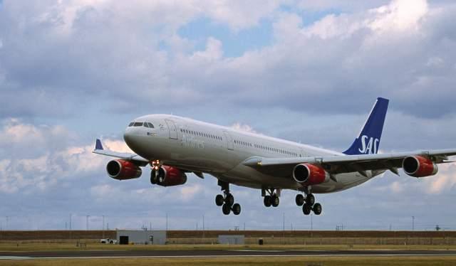 SAS aircraft landing