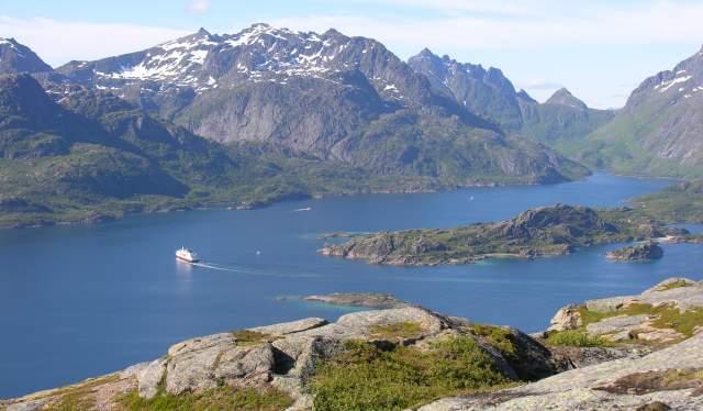 Le bateau MS Nordlys à Raftsundet, Nordland