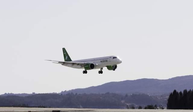 Widerøe Jetflugzeug hebt ab