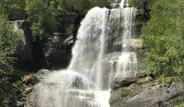 Vinnu waterfall