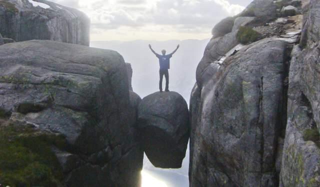 The Kjærag boulder
