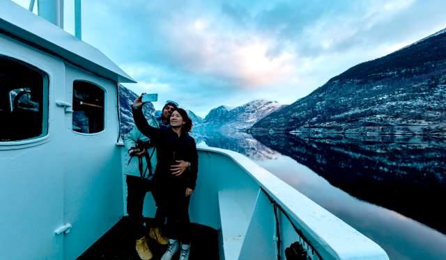 Cruise on the Nærøyfjord