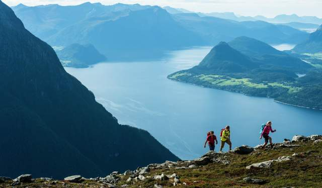 Hiking, Romsdalseggen