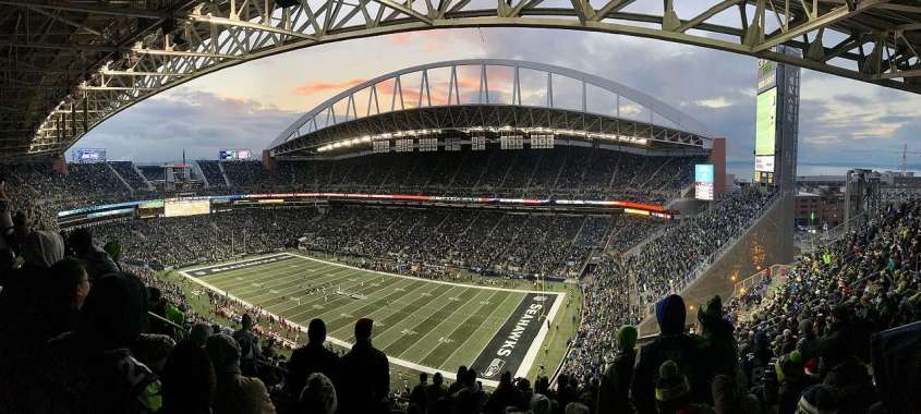 12s And Sports Fans Alike Love Watching Football From Centurylink Field Seattle Southside Is The Ideal Place To Stay When You Re In Town For A
