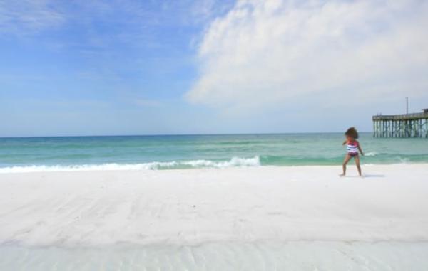 Video Thumbnail - vimeo - Beach_1_Cartwheels