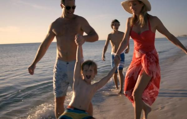 Video Thumbnail - vimeo - Beach_8_Walking