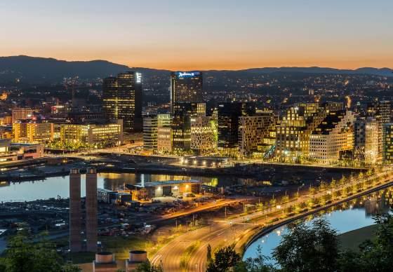 Oslo nocą - światła miasta