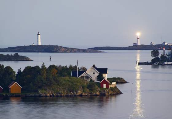 Galtesund with lighthouses Store and Lille Torungen in Arendal