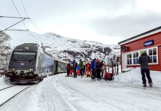 Vatnahalsen train station