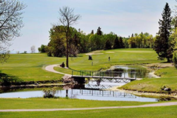 view of a golf course