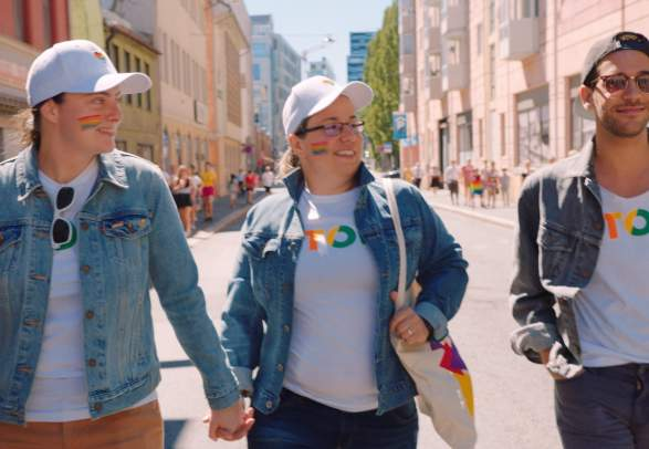 Anna, Klára og Kadir på Oslo Pride