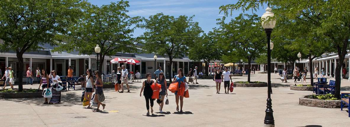 South-Shore-Shopping-Lighthouse-Place-Michigan-City