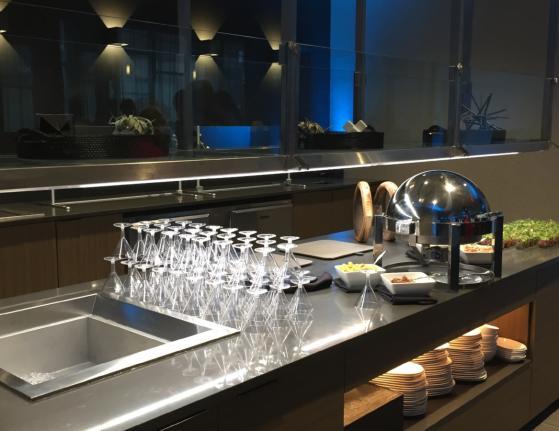 AC Hotel Buffet set up