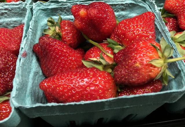 Standard Foods/fresh strawberries