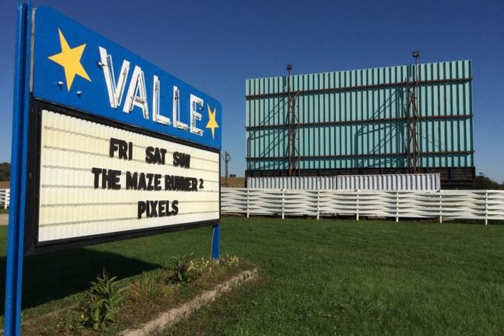 Valle Drive In