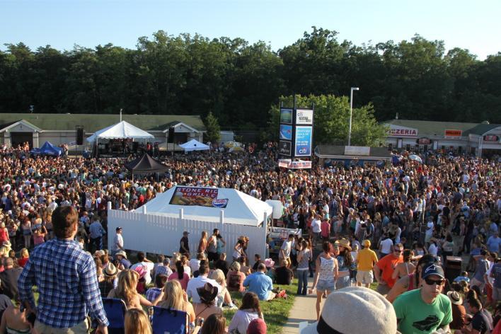 Jiffy Lube Live - Crowd Shot 2
