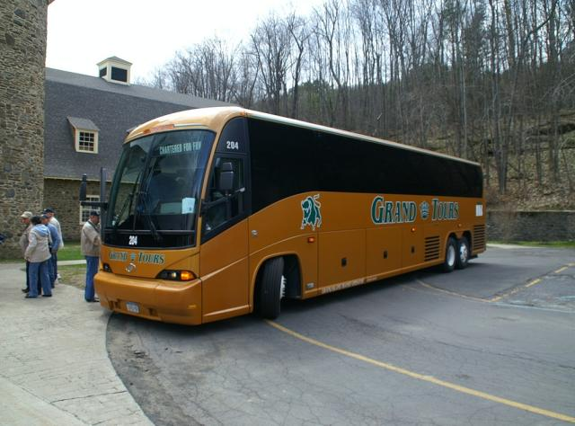 Things to do Tours - Motorcoach. ©Jim Duell, courtesy of
