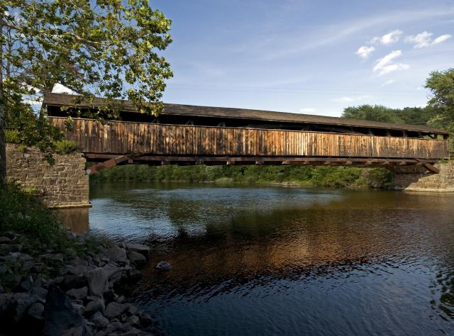 Things to do Arts - Covered Bridge