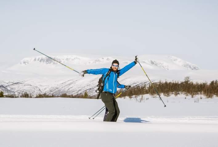 Man on cross country skiis