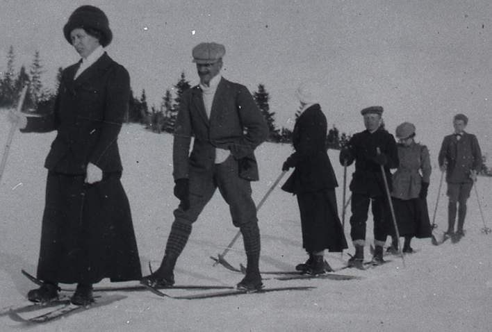1911 Fam.Høva på påsketur