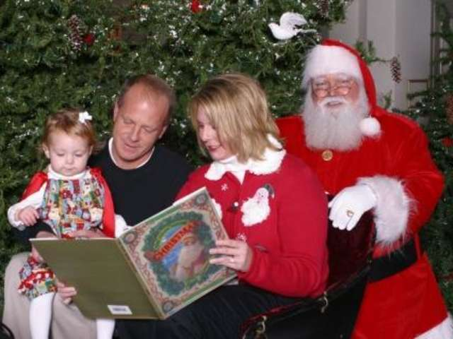Santa Claus with a family