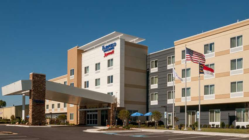 Fairfield Inn & Suites - Fayetteville North