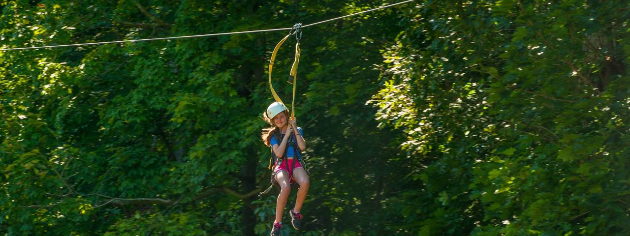 OUTDOOR ACTIVITIES - ZIPLINING HEADER
