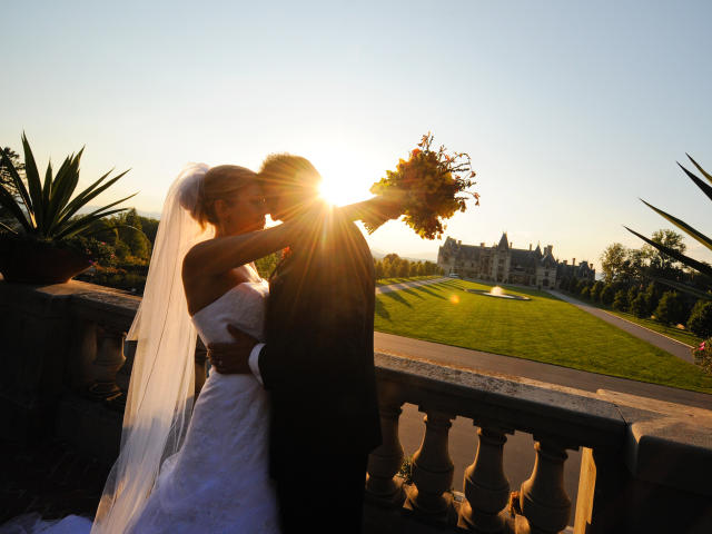 Wedding at the Biltmore with a sunflare