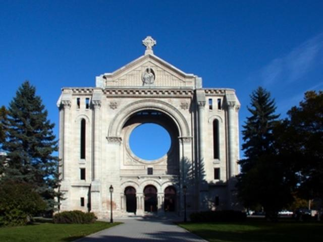 The heart of Winnipeg's French quarter with O Tours