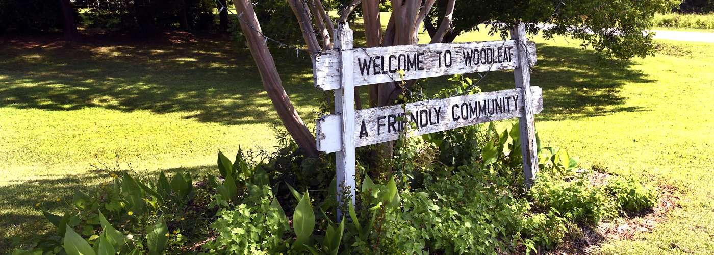 Welcome sign for Woodleaf