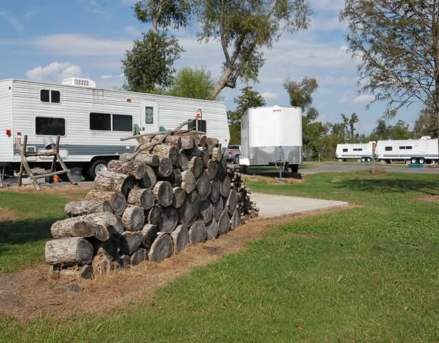Bayou Segnett Camping