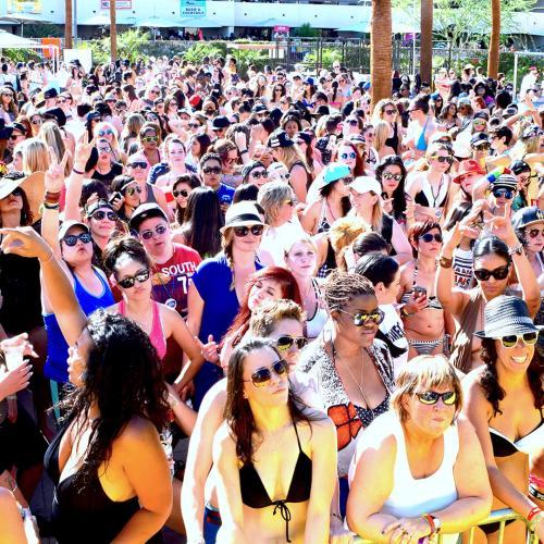 pool crowd dinah shore web