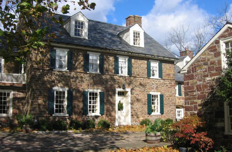 Explore bucks county 39 s historic stone houses for Diy stone house revival