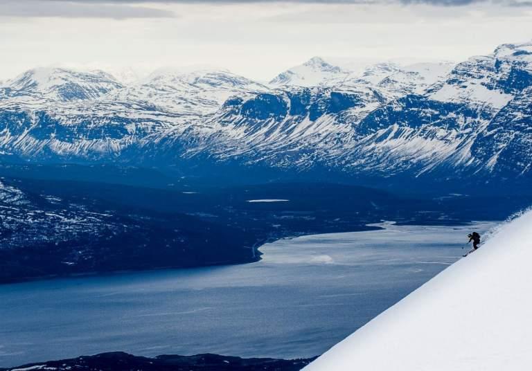 Ski touring Lyngen