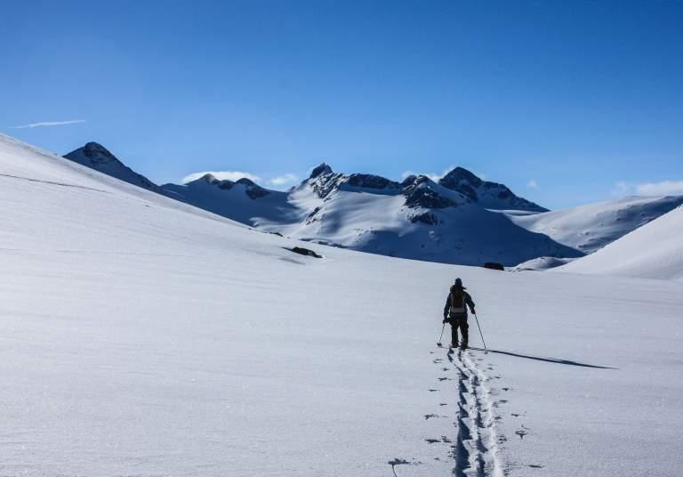 Ski touring at Visbretinden in Jotunheimen