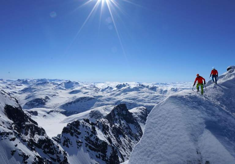 Ski touring in Jotunheimen