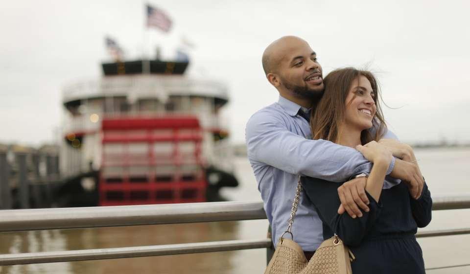 Romance Couple Riverfront Steamboat Natchez