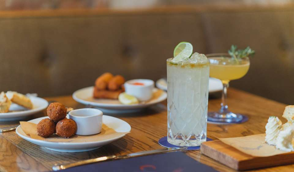 Drinks and Appetizers at Compere Lapin