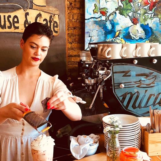 Chicago's Coffee Shops Brew Up a Mugful of Culture
