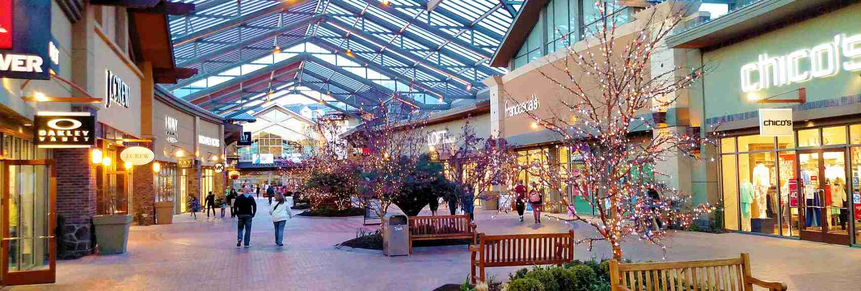 Traverse Mountain Outlets Shopping
