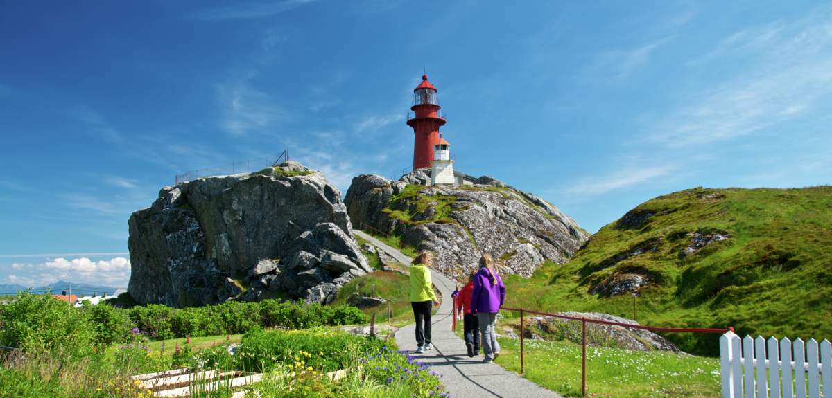 Weird Wonderful Visit Norway - Norway lighthouses map
