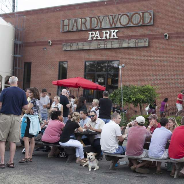 Hardywood Crowd