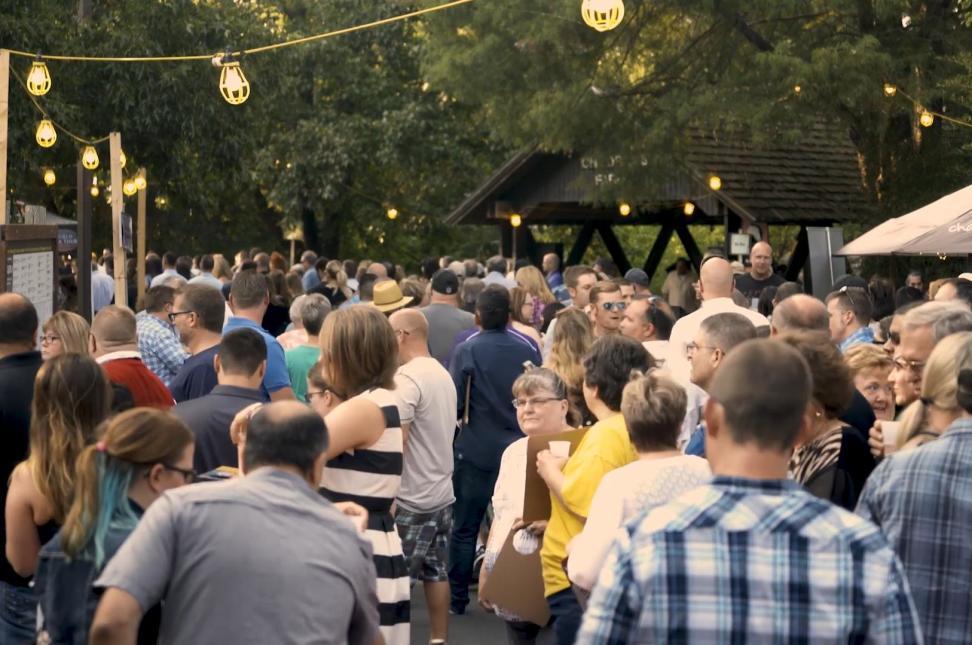 Zoobilee Crowds