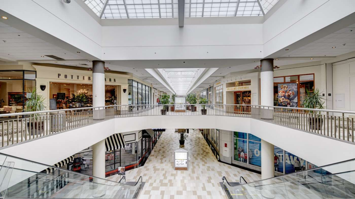 Crossgates Mall Restaurants Near