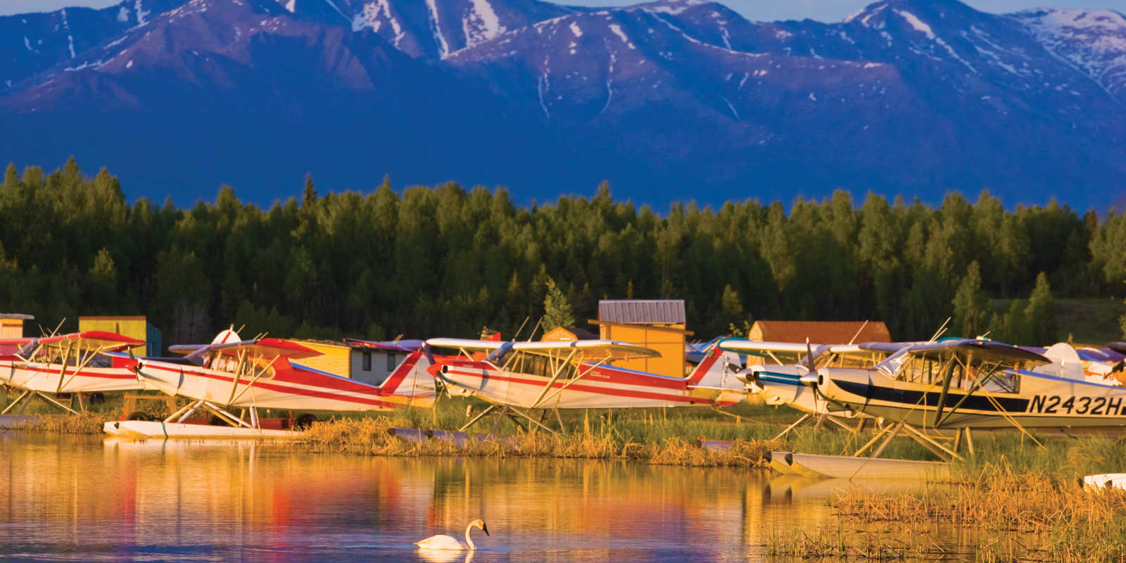 Float planes on Six Mile lake