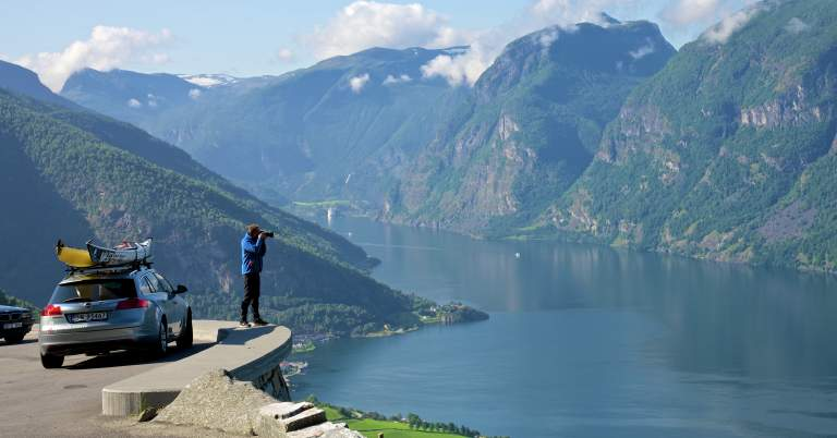 Getting around by car - Official travel guide to Norway ...