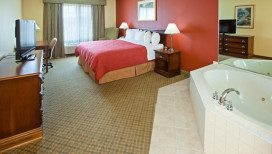 Country Inn and Suites Hotel Michigan City whirlpool suite