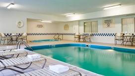 Fairfield Inn Hotel Valparaiso Pool
