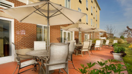 Holiday Inn Express Schererville Hotel Patio